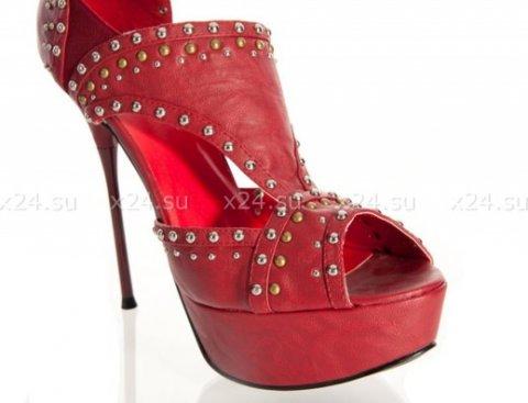 Туфли бордовые с заклепками 36, фото 3