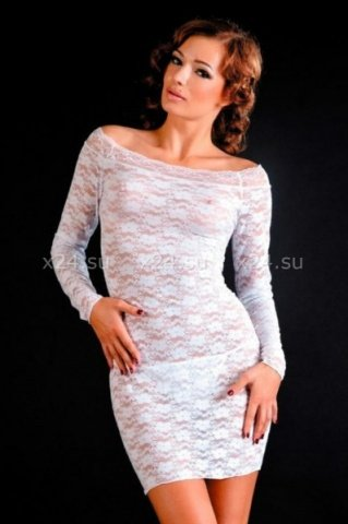 Кружевное белое платье с длинным рукавом
