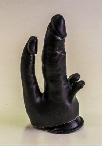 Фаллоимитатор на присоске черный 18 см