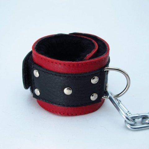 Наручники с мехом красно-чёрные, фото 3