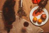 Анальная пробка черного цвета диам. 32 мм с тонированным красным хвостом 32 / | Анальные пробки с хвостиком | Секс-шоп Мир Оргазма