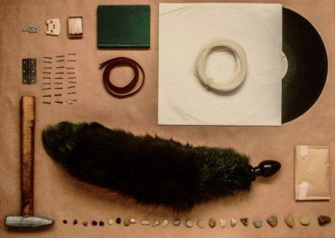Анальная пробка черного цвета диам. 40 мм с зеленым лисьим хвостом BF40black/green