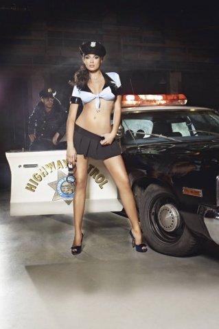 Игровой костюм ночной полицейский: топ, мини-юбка, ремень, значок и фуражка