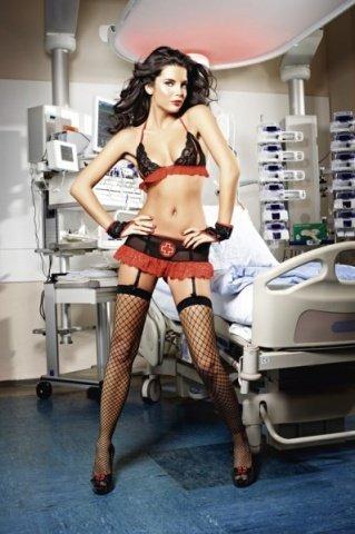 Игровой костюм знойная медсестра: топ, мини-юбка с подвязками и перчатки