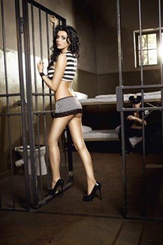Игровой костюм пленница секса: топ, мини-юбка, манжеты с цепью, фото 2