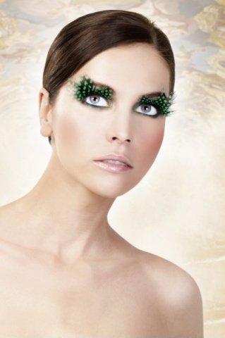 Ресницы тмно-зеленые перья