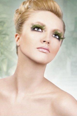 Ресницы светло-зелные перья