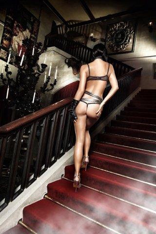 Deeper in Hell Комплект бикини черныйс косточками, розовыми контрастными швами и бантиками
