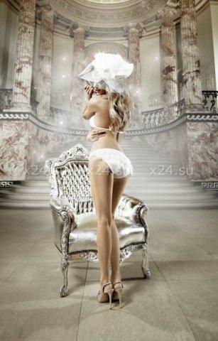 Back in Heaven Комплект бикини белый в точечку с рюшами, фото 3