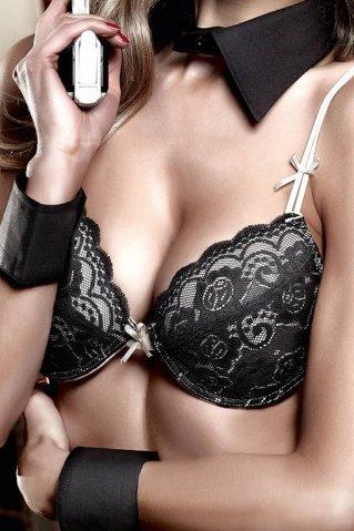 Agent Of Love Бюстгальтер бежевый с черным кружевом, мягкими чашечками и косточками 32 А (большое фото) > Секс-шоп Мир Оргазма