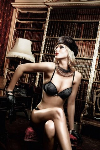 Agent Of Love Бюстгальтер черный с косточками, мягкими чашечками и съемными бретельками 32 A (большое фото 4) > Секс шоп Мир Оргазма