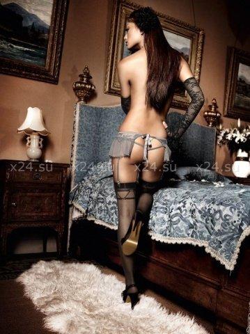 Dolce Vita Подвязки антрацитовые в виде юбочки из тюлевой ткани с цветочной вышивкой и шнуровкой
