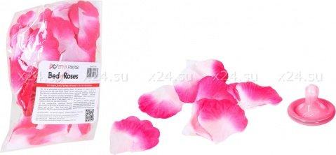 Бело-розовые лепестки роз Bed of Roses, фото 2