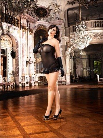 Мини-платье с кружевом D-size